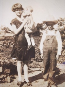 Lester, on right, with his sister Frances and younger brother Wallace. About 1928.